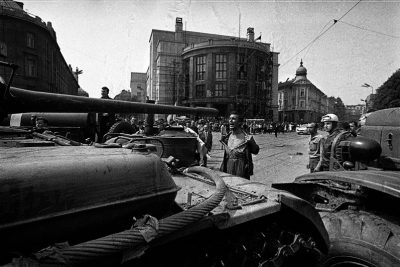 Man_in_front_of_the_Tank_Czechoslovakia_1968